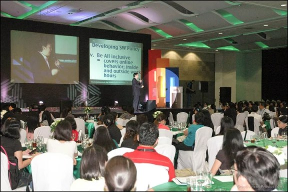 Sonnie Santos giving a talk about social media foundation