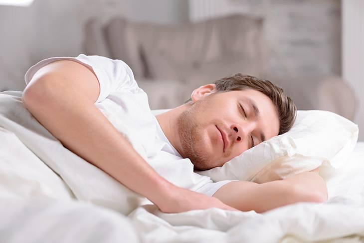 weird-feeling-when-trying-to-fall-asleep-sleep-schedule