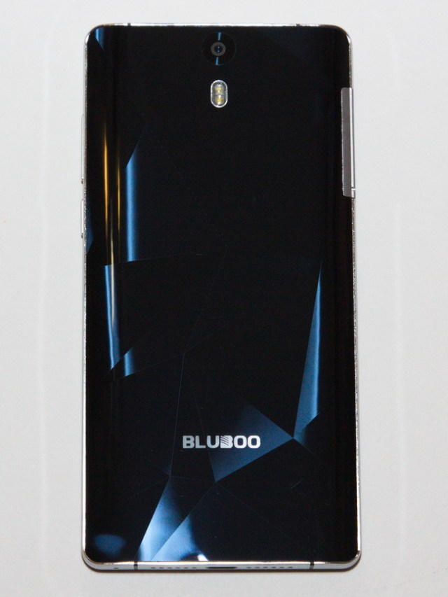 Bluboo Xtouch - Back