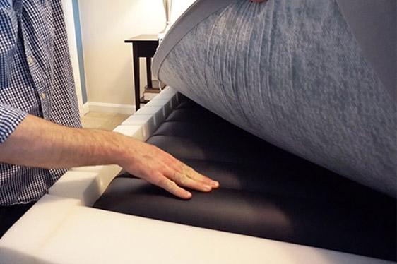 inside of an adjustable air mattress