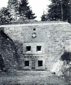 2. Coffre de flanquement avec 2 canons de 8,4 cm 1871 et 2 mitrailleuses 1894 - Savatan