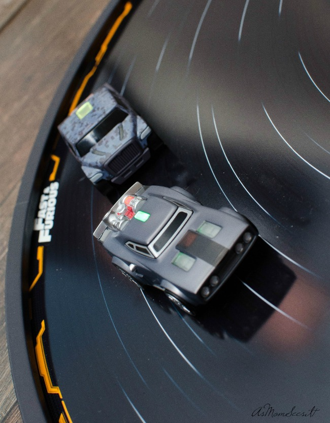 Anki Overdrive Fast & Furious Edition is a battle racing system with a multi-configuration racetrack.