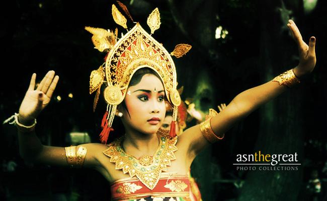 Balinese Kid Dancers