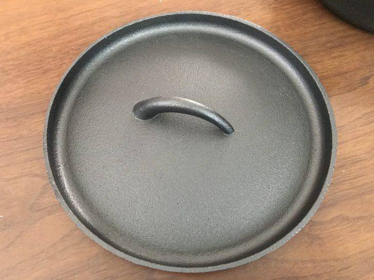 ニトリのダッチオーブンの蓋