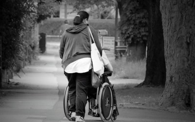 Indemnización por ayuda de tercera persona: confusa e insuficiente