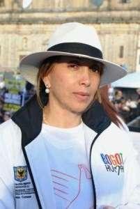 Laura_sombrero