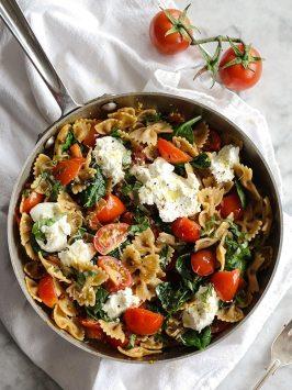 Fresh Tomato and Ricotta Pasta | Foodie Crush