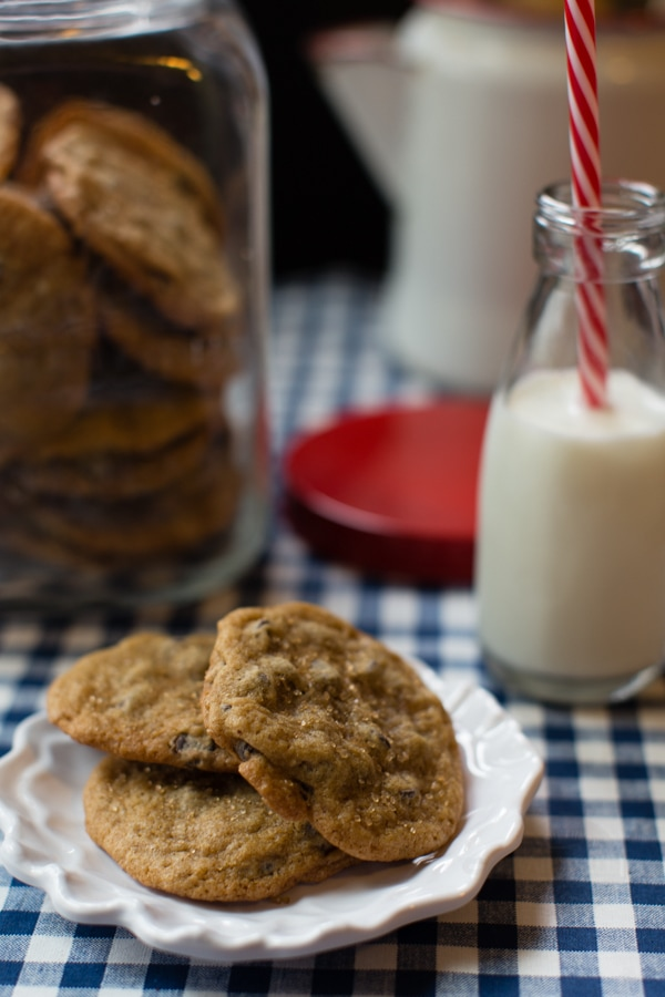 simple, delicious, easy chocolate chip cookies