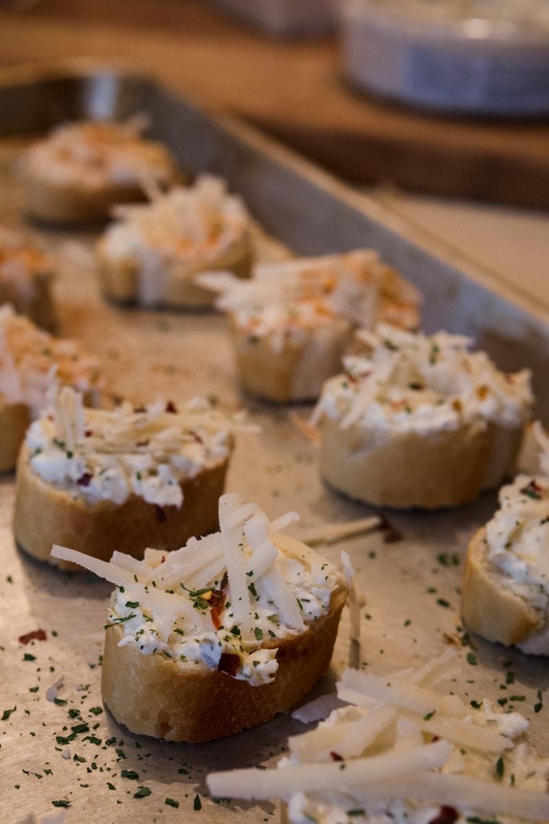 artichoke jalapeno parmesan toasts with la terra fina
