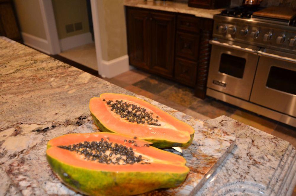 Fresh Papaya, Hawaiian Style (2/3)
