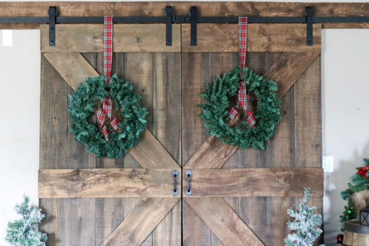 Finding Farmhouse Christmas Decor & Styling Tips