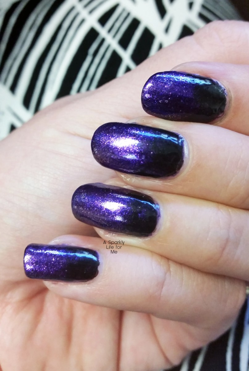Purple and Black Gradient Nails – A Simple Halloween Nail Art Look