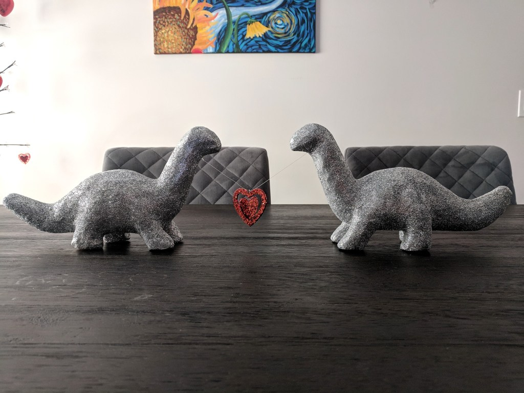 Dinosaur's in Love – Quick and Easy DIY Valentine's Day Centerpiece – with GLITTER! #valentinesday #centerpiece #glitter #dinosaurs
