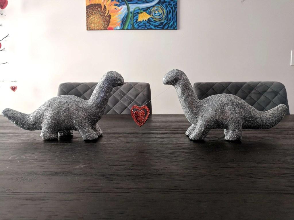 Dinosaur's in Love – Quick and Easy DIY Valentine's Day Centerpiece – with GLITTER! #valentinesday #centerpiece #glitter #dinosaurs