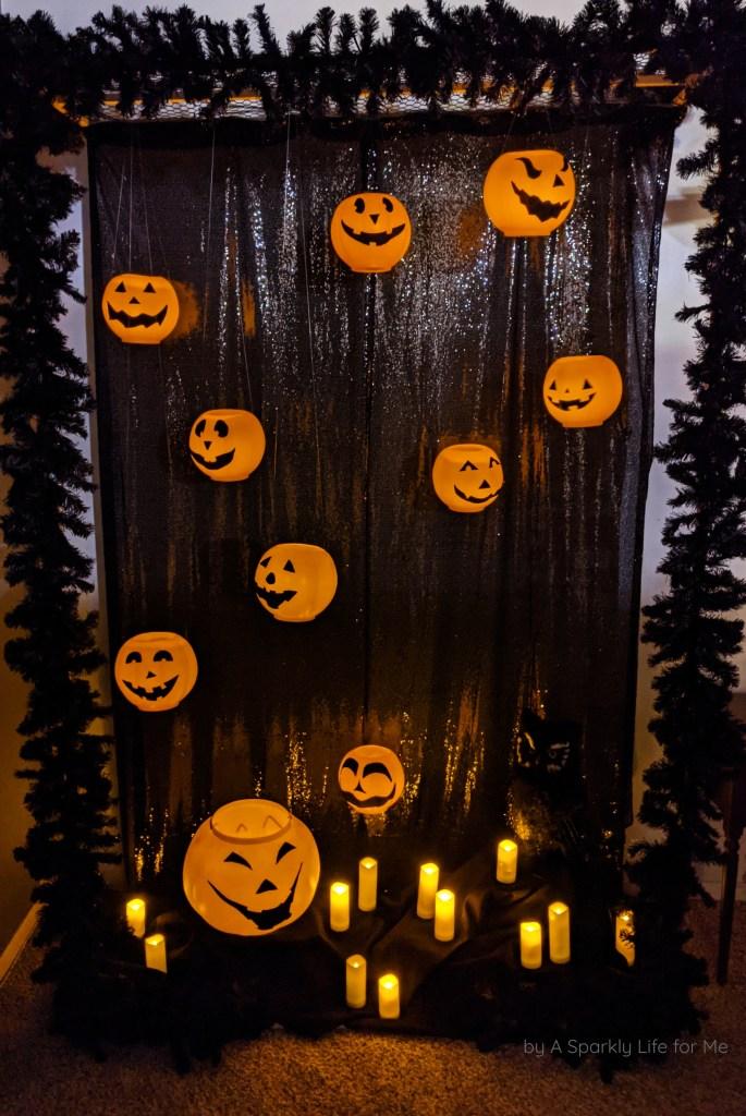 Easy DIY Floating Jack O Lantern Pumpkin Halloween Display Using Plastic Pumpkins