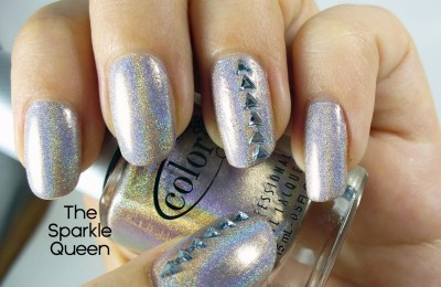 simple nail art with holographic polish
