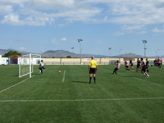 Partido de fútbol 7 en Las Fuentes