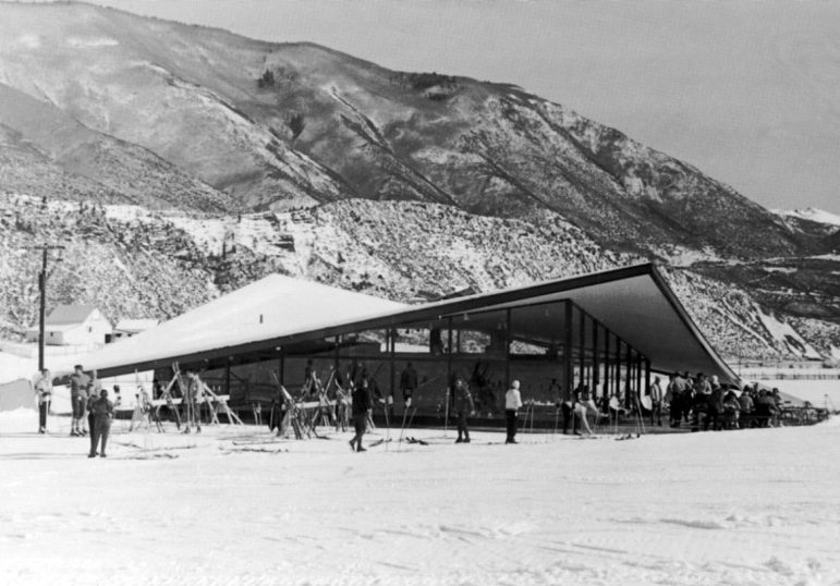 The still-modern-looking Buttermilk base lodge and restaurant, in 1960. The restaurant was replaced by the current Bump's building in the late 1990s.