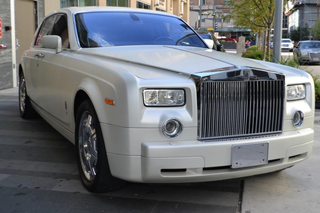 A white Rolls Royce   Aspioneer