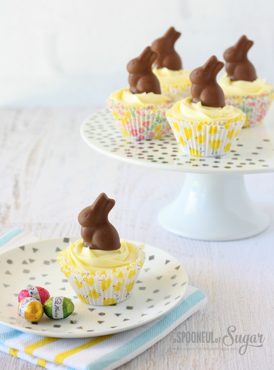 Easter Cupcakes with Chocolate Bunnies