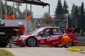1092014.WTCC.Lada.Team.Race.Day.Seryogin.ASppa.Images