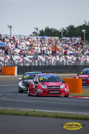 652014.WTCC.Lada.Team.Race.Day.Seryogin.ASppa.Images