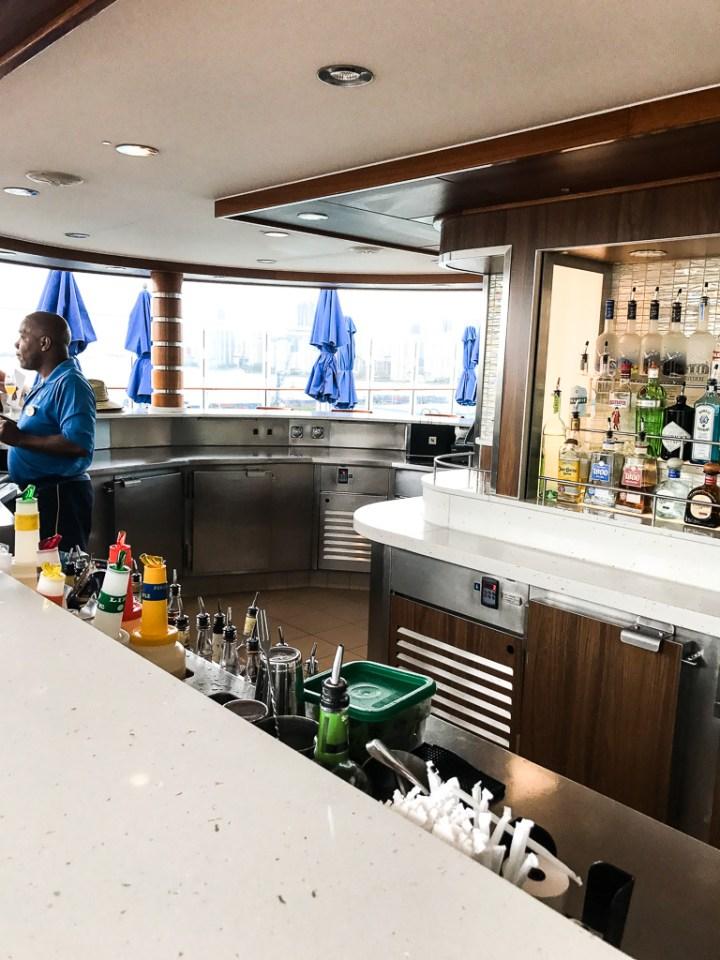Bar in Vibe Beach Club