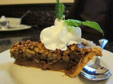 oak-alley-plantation-restaurant-pecan-pie