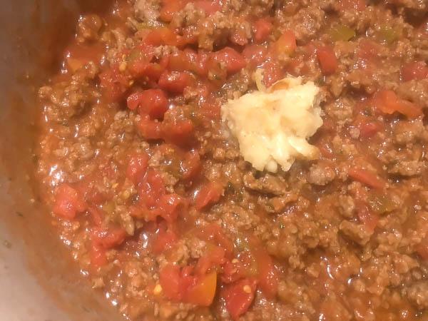 Homemade Bolognese sauce for Gluten Free Italian Pasta Bake from A Sprinkling of Cayenne. | http://asprinklingofcayenne.com