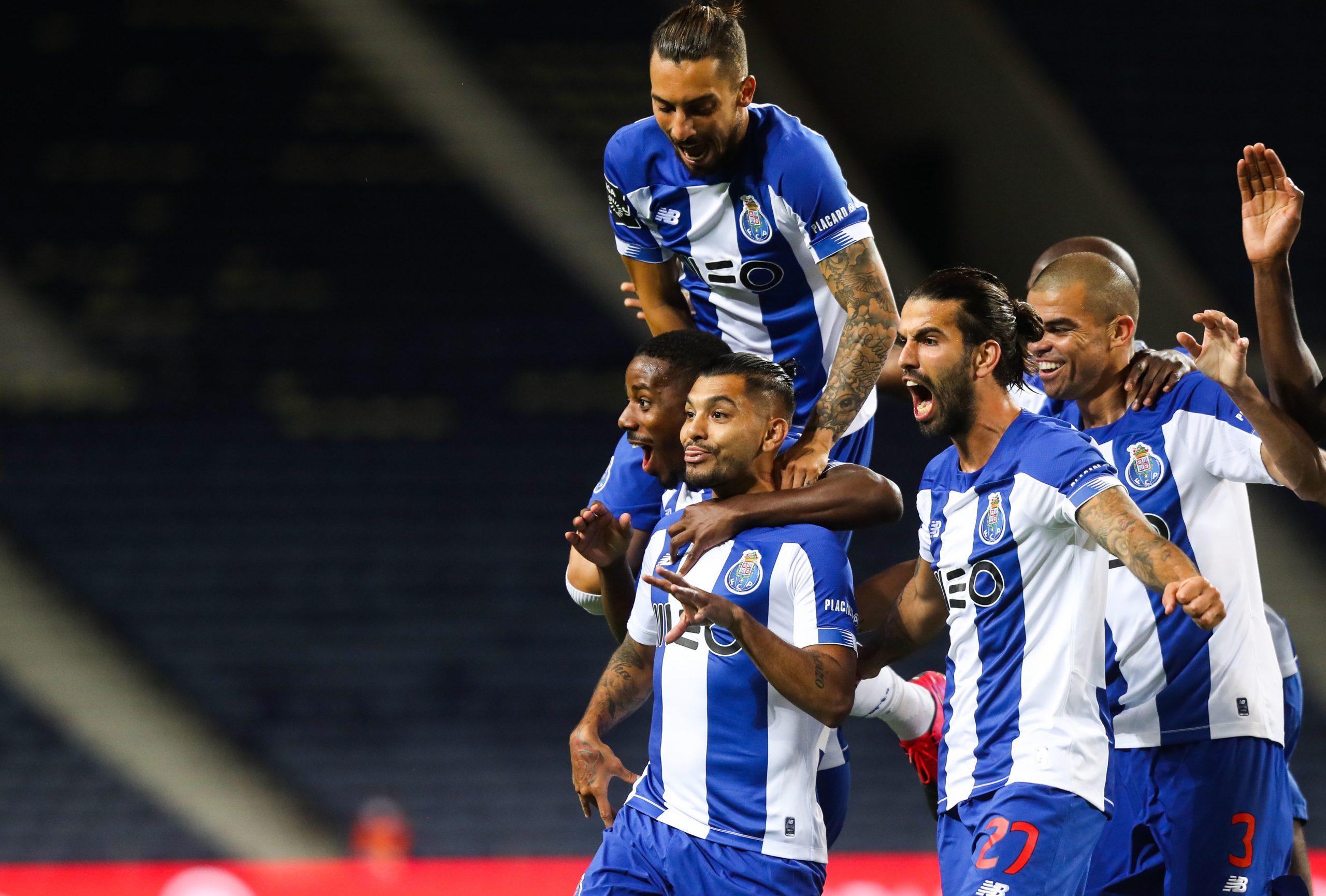 Corona avec le FC Porto face à Maritimo