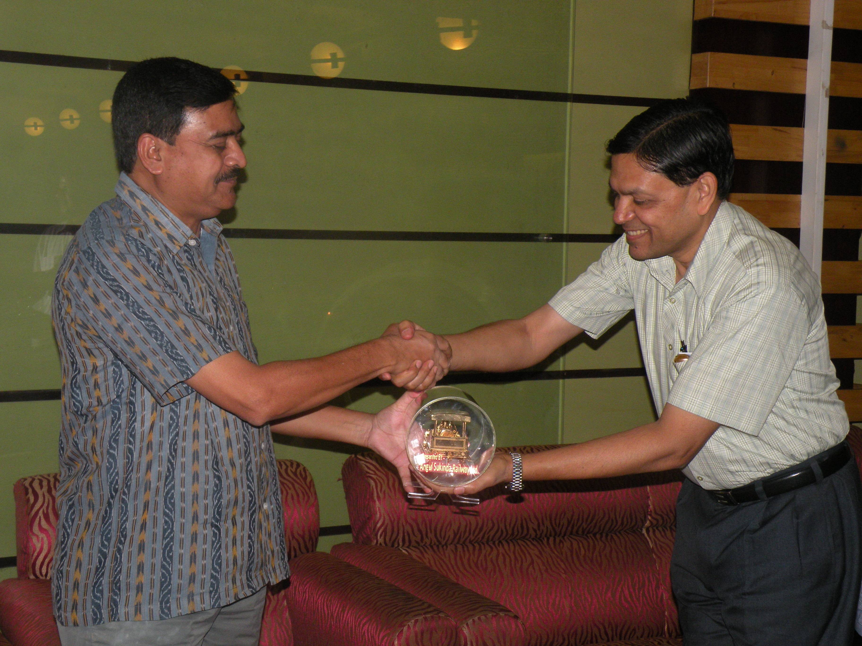 Presentation of a memento to Sri J.K.Mohapatra, IAS, Chief Secretary, Odisha Govt. by Chairman, ASRL in the presence of Sri D.K. Samantray, MD/ASRL during a get to gether of Senior Officials for State Govt., Ministry of Rly, ECoRly and RVNL
