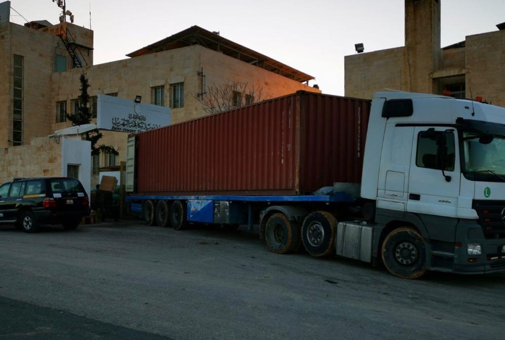 احباط تهريب حاوية على الطريق الصحراوي تحتوي على بضائع مختلفة (صور)