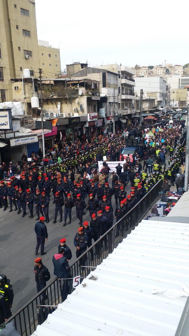 مسيرة حاشدة من أمام المسجد الحسيني رفضا لصفقة القرن (صور وفيديو)