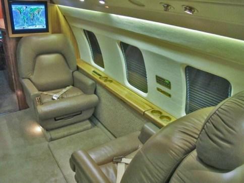 Challenger 3013 JetNet specs_Page_8_Image_0004