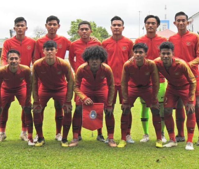 Timnas U  Indonesia Tantang Raksasa Sepak Bola Asia Dalam