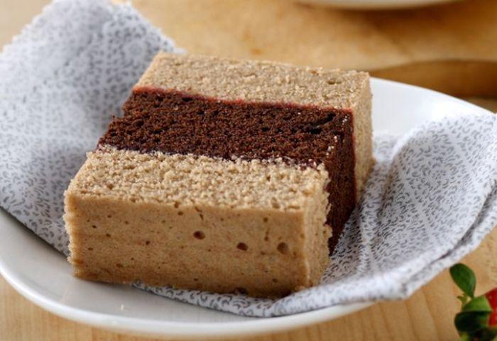 Cake Kukus Lapis Cokelat Moka Lembut Manisnya Cocok Mengisi