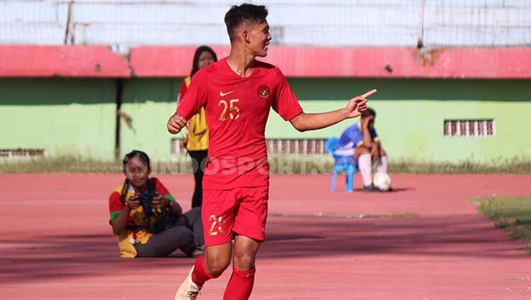 Selebrasi Sutan Zico setelah berhasil mencetak gol pertama Timnas Indonesia vs Persikabpas Pasuruan, Senin (22/7/19). Copyright: Fitra Herdian/INDOSPORT
