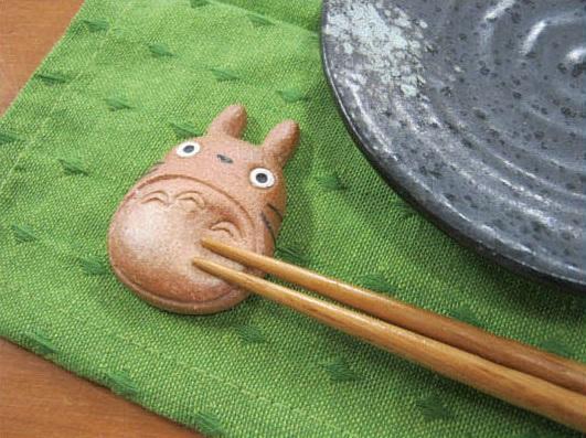 totoro-studio-ghibli-cute-figures-anime-shigaraki-pottery-shiga-16.jpg