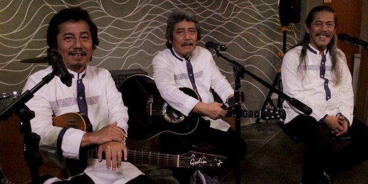 Bernostalgia Dengan Lagu Lagu Lebaran Zaman Dulu