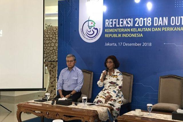 Menteri Kelautan dan Perikanan Susi Pudjiastuti dan Sekretaris Jenderal Nilanto di Gedung Mina Bahari IV Kementerian Kelautan dan Perikanan (KKP), Jakarta Pusat, Senin (17/12/2018)