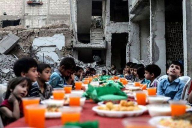 Image result for buka puasa di Suriah