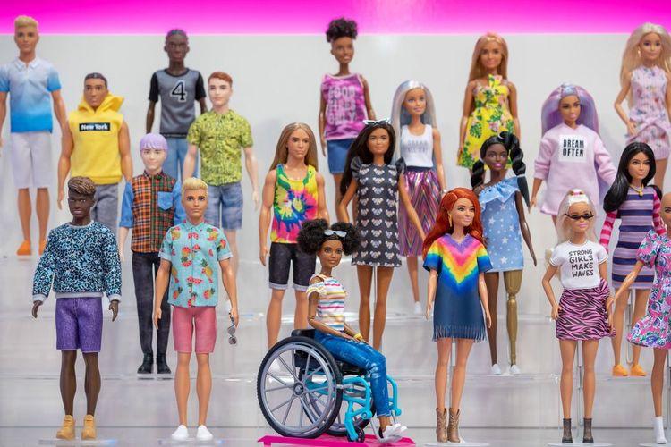 Boneka Barbie dari lini The Fashionista.