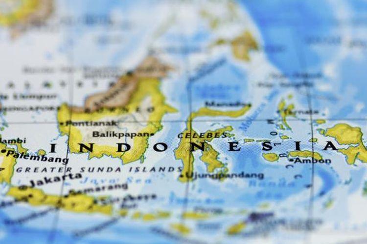 Buku atlas global ini sangat lengkap mulai dari gambar peta 34 provinsi di indonesia, peta dunia, penjelasan di setiap provinsi dari penjelasan lambang. Perkembangan Wilayah Indonesia