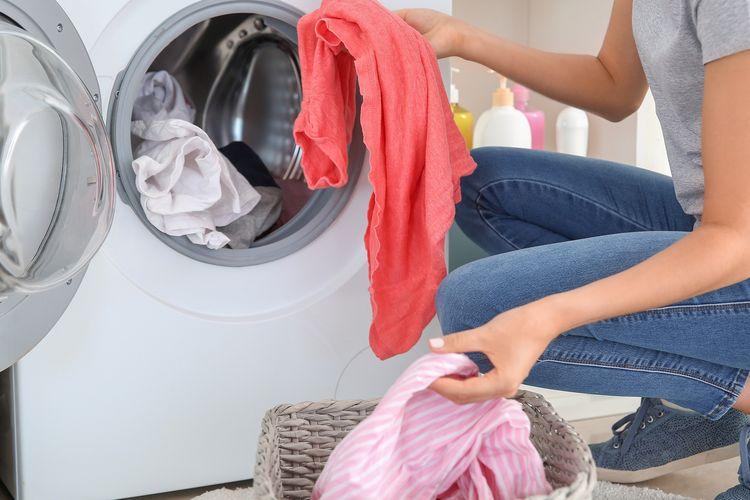 Ilustrasi mencuci pakaian