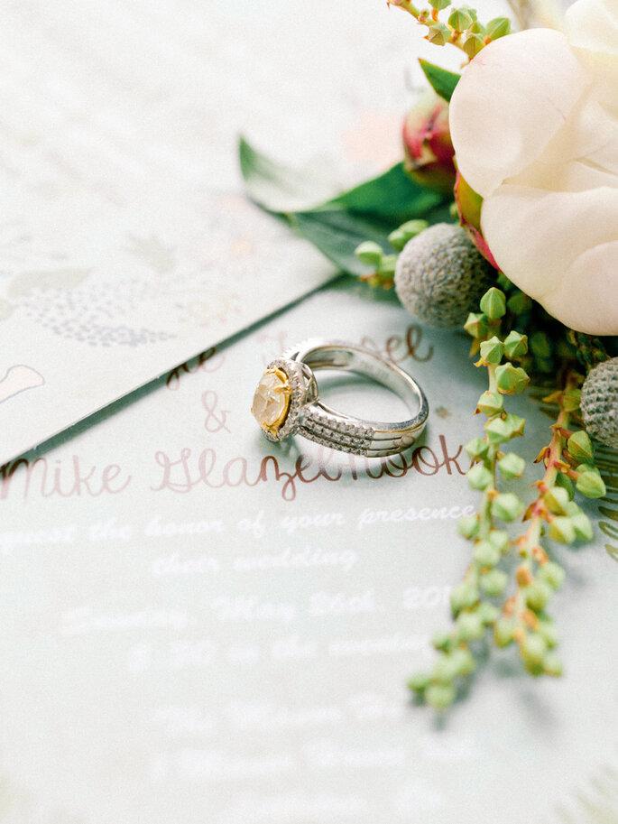 El significado de las piedras preciosas del anillo de compromiso - Foto-Brumley and Wells