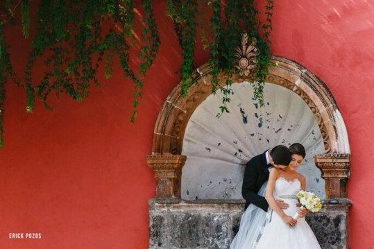 Cómo posar para las fotos de boda según los expertos - 10550100_10153101778548136_6688028723776418006_o