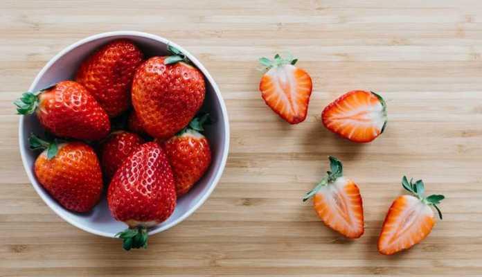 Ini Dia 7 Khasiat Buah Strawberry Yang Tidak Banyak Diketahui Orang Kompasiana Com