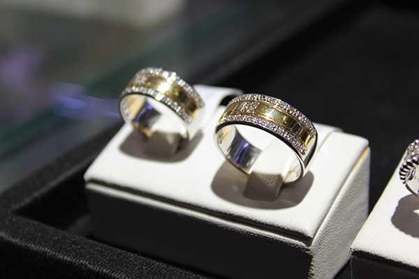 Hasil gambar untuk Panduan Memilih wedding ring terbesar di indonesia