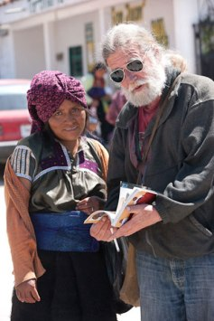 Chip Morris with Chamulan woman. Photo credit: Joe Coca.
