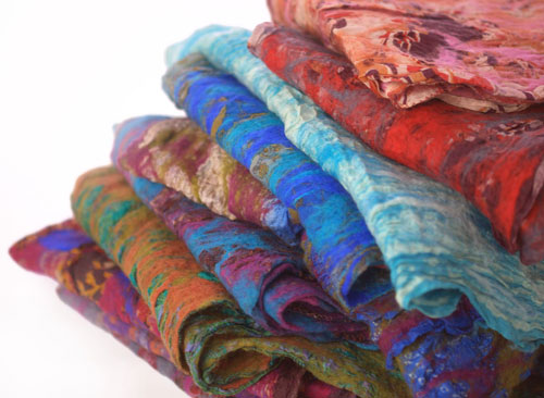 A completed sari stack ready for sale.